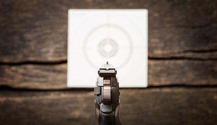 Schießsport im SSV Rurtal: Sportschützen schießen auf Pappscheiben und Metallplatten - und auf sonst nichts