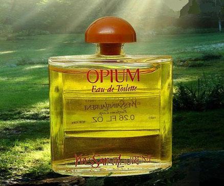 OPIUM - EAU DE TOILETTE 7,5 ML - PRESENTEE SEULE, AVEC BOUCHON PLASTIQUE MARRON