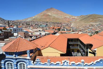 Potosí con Cerro Rico al fondo