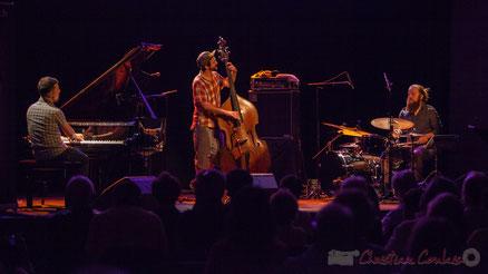 Misc, (trio Jérôme Beaulieu), révélation JAZZ 2014 de Radio Canada, Festival JAZZ360 2016, salle culturelle de Cénac. Photographie : Christian Coulais