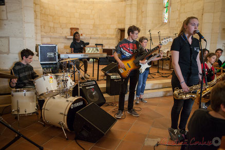 Big Band du Collège Eléonore de Provence (Monségur), dirigé par Rémi Poymiro, église Saint-André, Cénac. Festival JAZZ360 2016. Photographie : Christian Coulais