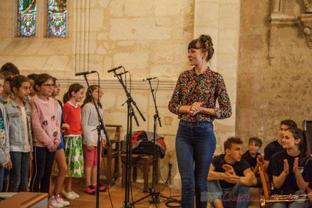 Chorale jazz, TAP de l'école de Cénac, dirigée par Caroline Turtaut, église Saint-André, Cénac. Festival JAZZ360 2016. Photographie : Christian Coulais