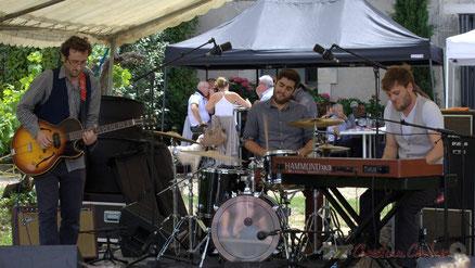 Festival JAZZ360 2015, Electric Boots, château Lestange, Quinsac. Photographie : Christian Coulais