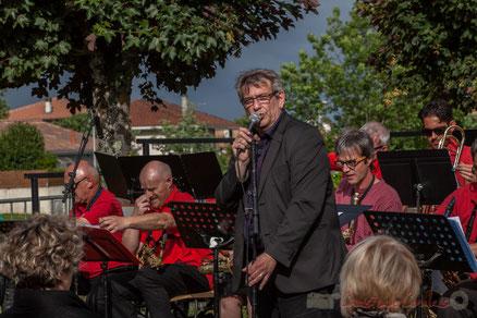 Big Band de l'Ecole municipale de musique de Cenon, dirigé par Franck Dijeau, Cénac. Festival JAZZ360 2016. Photographie : Christian Coulais