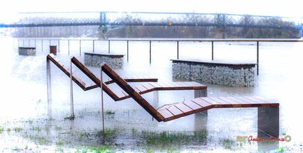 Inondation de la Garonne, les quais de Langoiran. Samedi 14 décembre 2019. Photographie : Christian Coulais