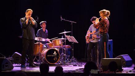 Youpi Quartet, soirée cabaret JAZZ360, salle culturelle de Cénac. Photographie : Christian Coulais