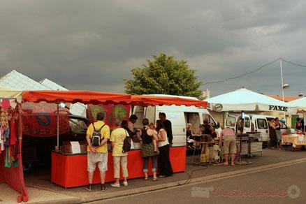 Boutique artisanale et restauration sur place. Festival JAZZ360 2011, Cénac. 03/06/2011