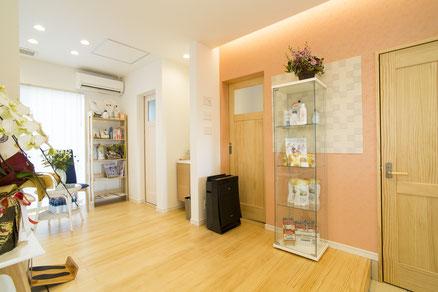 整体・北九州市若松区・八幡西区・ひびきのカイロプラクティックサロンの待合室