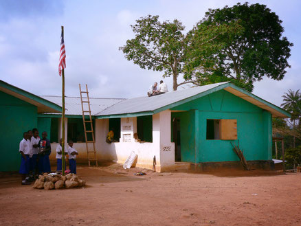 Bau der Schule in Konjorlloe