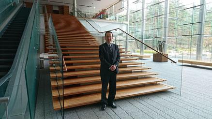 ひまわりケア代表が 内閣総理大臣 首相官邸 を訪問させて頂きました(記念写真)
