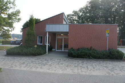 Blick auf den Eingang der OGS