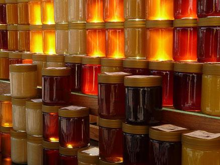 Kein Honig ist wie der andere, wenn er vom Imker kommt. (Quelle: Hans auf pixabay)