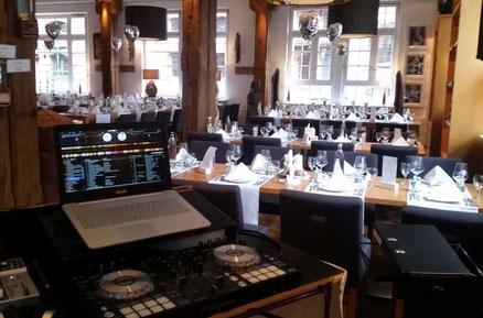 DJ und Saxophonist Hochzeit Geburtstag Party Event