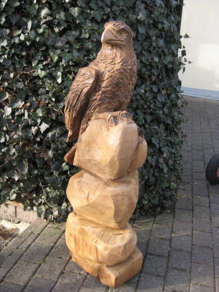 geschnitzter Adler