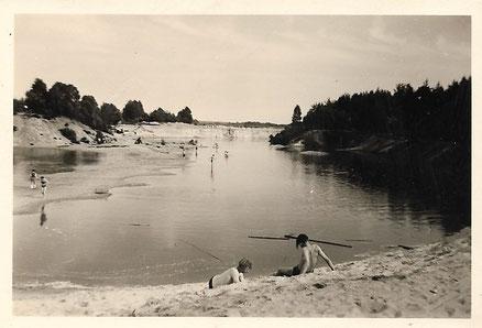 Der Schotterteich bei Wietzendorf, in dem wir badeten