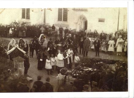 Foto vom Begräbnis der getöteten Wilderer in Molln am 17. März 1919