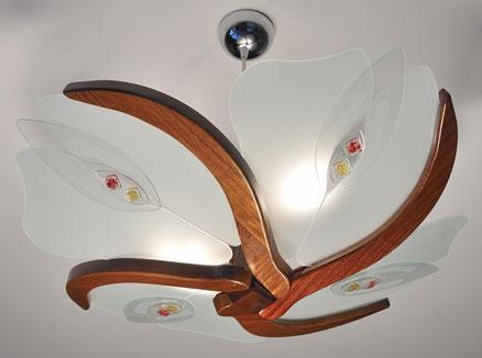 Lampadari sospesi in legno benvenuti su castileitalia for Lampadari sospesi