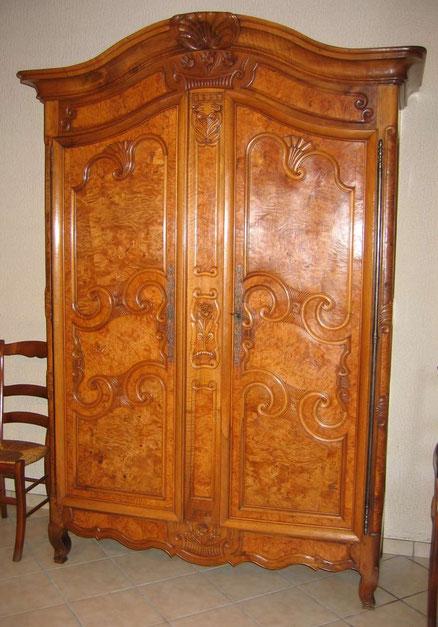 Armoire bressane après restauration