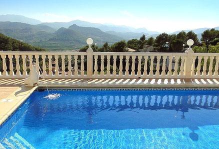 Ferienwohnung Valencia, Villa Gandia Hills, Pool mit Aussicht am frühen Morgen