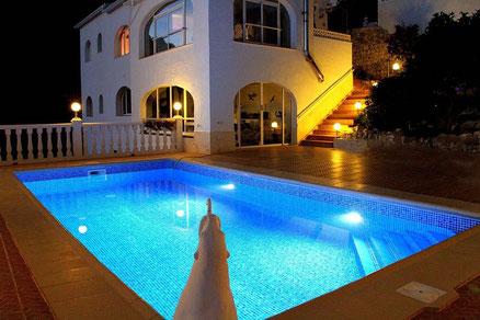 Villa Gandia Hills am Abend
