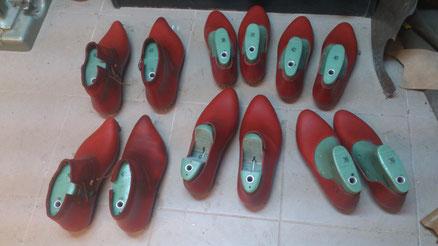 Chaussures en fabrication spécialement pour Moyen'Art International