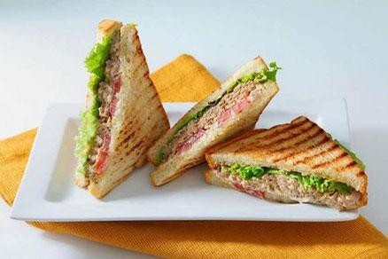 Sándwich integral vegetal con atún