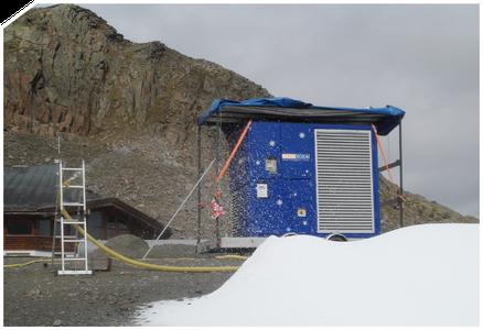 Skigebiete unterstützt Snow-Industries mit der SnowBOX Factory. Auf Basis der erprobten SnowBOX-Technik erzeugt sie vor Ort zwischen 200 und 2.000 Kubikmeter Schnee pro Tag.