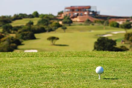 Afslag hole 2 Espiche Golf