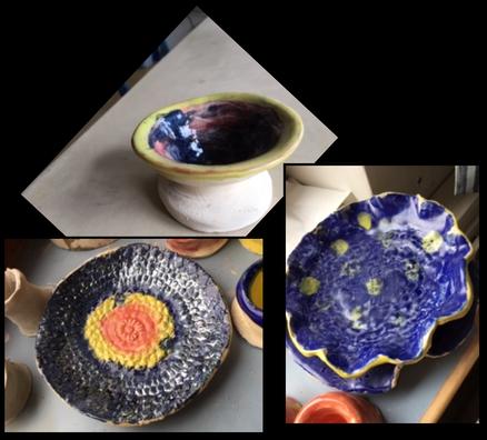Glasierte Teller aus Ton