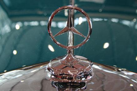 Mercedes-Stern Bild von haretmut Fuchs, pixabay.com