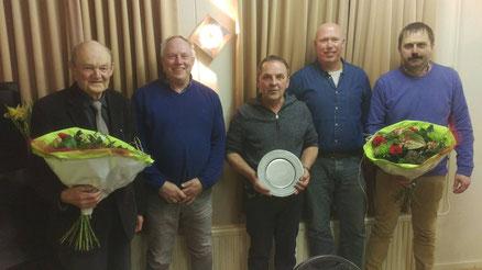 Dhr. M. Bulthuis, Johannes Schollema, Harry Wit, Menno Schuiringa en Anjo Bakker.