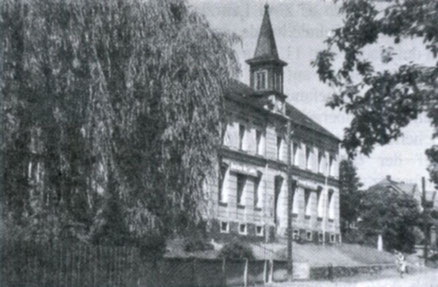So sah die Kemtauer Schule nach 1904 aus Quelle: Zwönitztalkurier