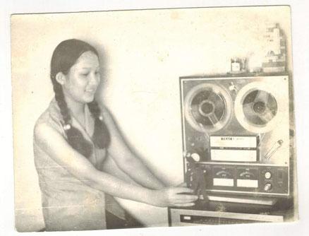 ly-80er jahre-hanoi-tonbandgeraet-aufzeichnung-radiosprecherin