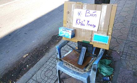 vietnam-mobiler-haendler-verkauf-mund-nase-schutz-maske-bán khẩu trang-Mundschutz-Masken