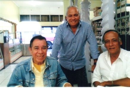 Willy Gamboa, Mario y Oscar Zaldivar.
