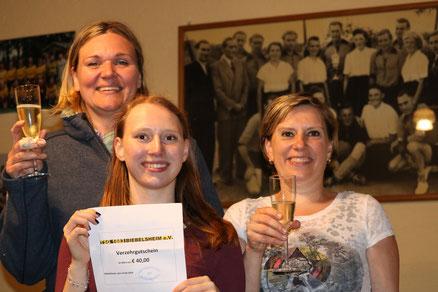 Die Siegerinnen des Boule-Turniers. V.l.n.r.: Tina Schufried, Meline und Andrea Mühleis