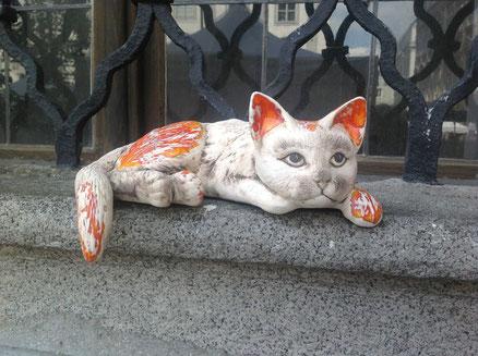 schläfrige Katze, für die Fensterbank oder die Gartenmauer geeignet, 27,-