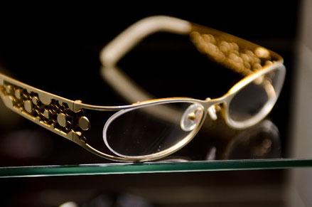 眼鏡でアデノイド顔から意識をそらす