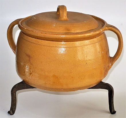 alte Kohrener Keramik Kohren-Sahlis Topf Dreibein