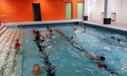 Juni 2018, Kinderschwimmkurs im Lehrschwimmbecken Waldschule