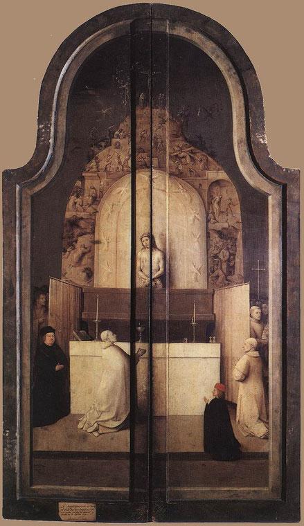 La grisalla de las puertas cerradas del tríptico representan la Misa de San Gragorio,con las siete escenas de la Pasión que culmina con la Cricifixión en el Gólgota(La oracion en el Huerto,Cristo ante Pilatos,flagelación,coronación,Calvario..)
