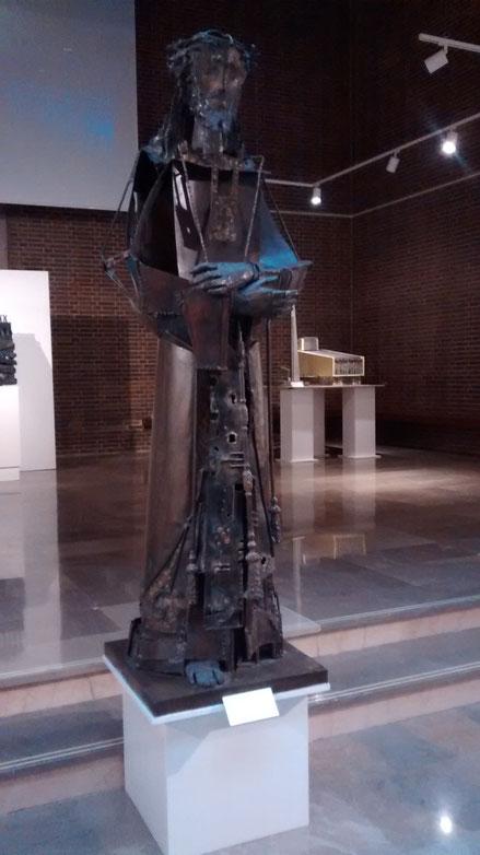 Nazareno. Venancio Blanco 1963. Chapa de hierro y bronce fundido.190x65x65cm.Colección Venancio Blanco.