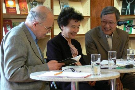 Kim Kwang-Kyu liest gemeinsam mit Wulf Kirsten