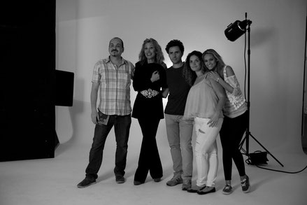 Teresa Viejo y el equipo de fotografía y estilismo