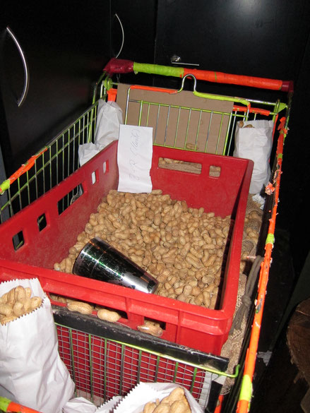 Erdnüsse Die rote Bar