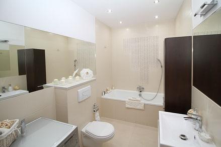 verre laqué ou vernis en salle de bain - Capel Miroiterie, Boé