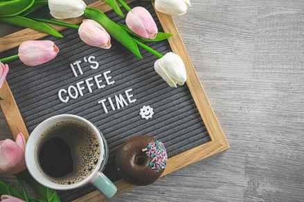 春の花たち。チューリップやスイトピー。
