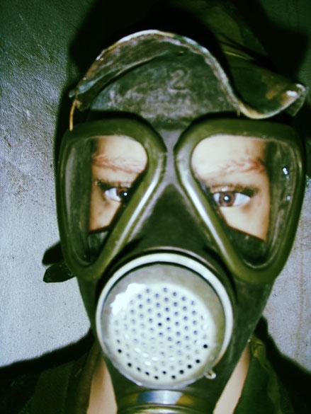 maschera protettiva nel bunker Alto Adige Trentino