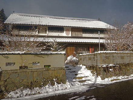 2020年年末の千屋アウトドアハウス前の初雪景色。