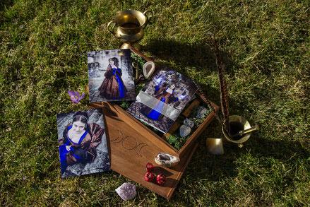 Holzbox Shooting Woodbox  Deko Zauber Fotograf Fotoshooting Wangen Ravensburg Vogt USB Stick Memory Stick Kristallkugel Fotos Fine Art Prints Zauberstab
